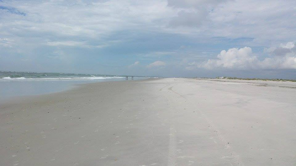 5 reasons to visit Topsail Beach NC in Autumn