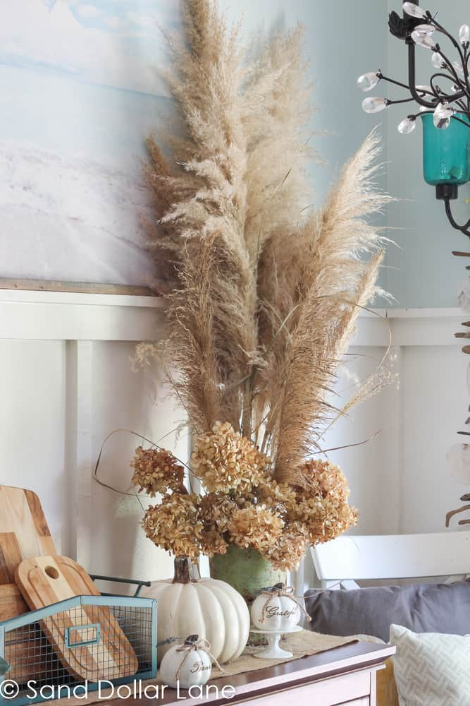 decorating with pampas grass