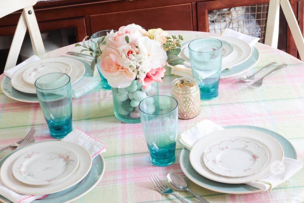 Color Spring Dining Table