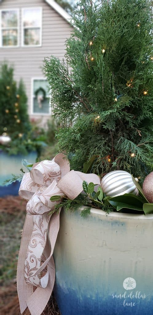 rose gold Christmas planters