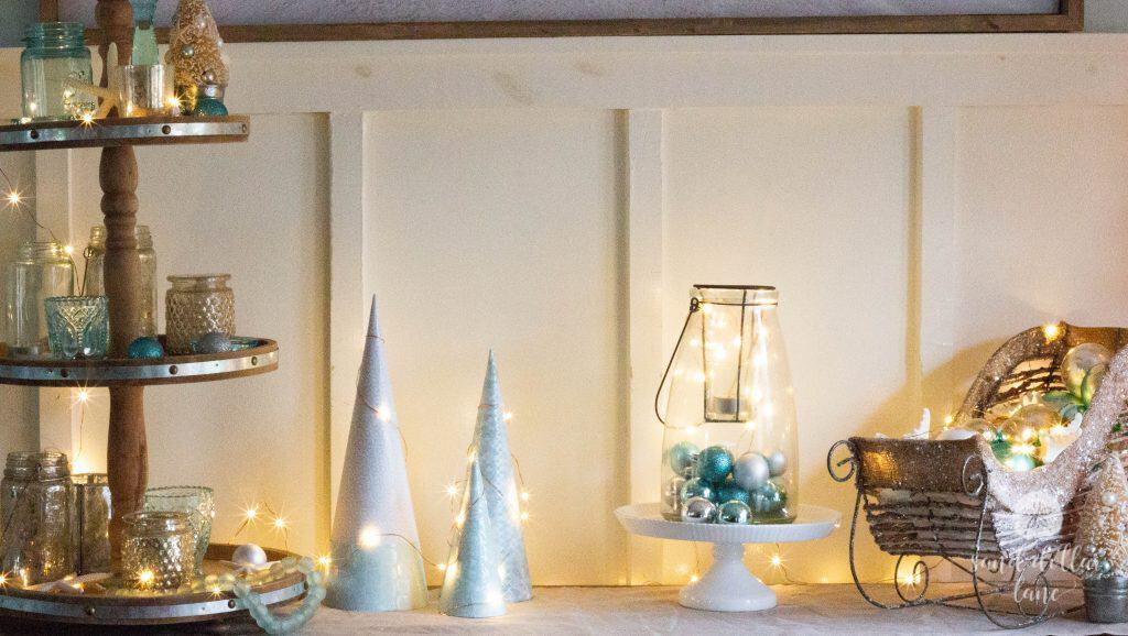 coastal Christmas dining room decorations Sand Dollar Lane
