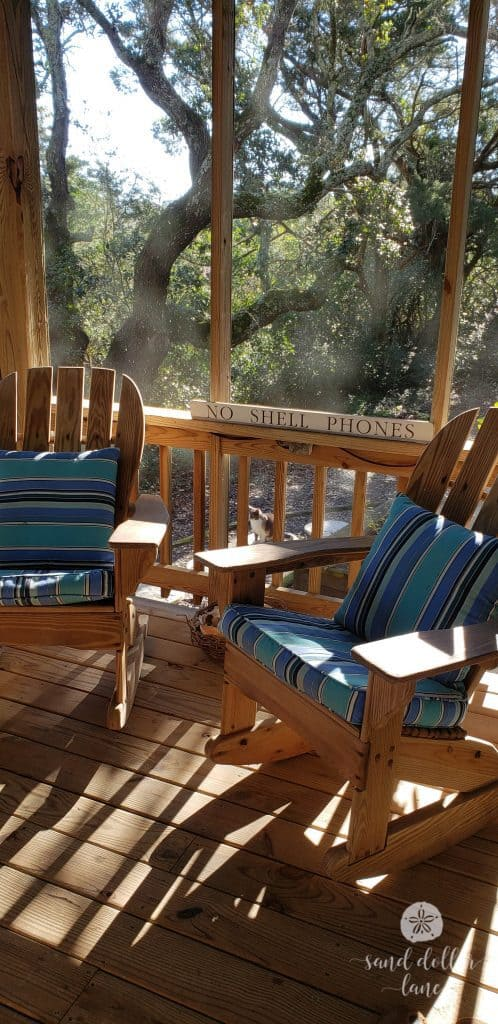 winter vacation in Ocracoke, NC screened porch #visitobx #ocracoke #coastalexploring #obx