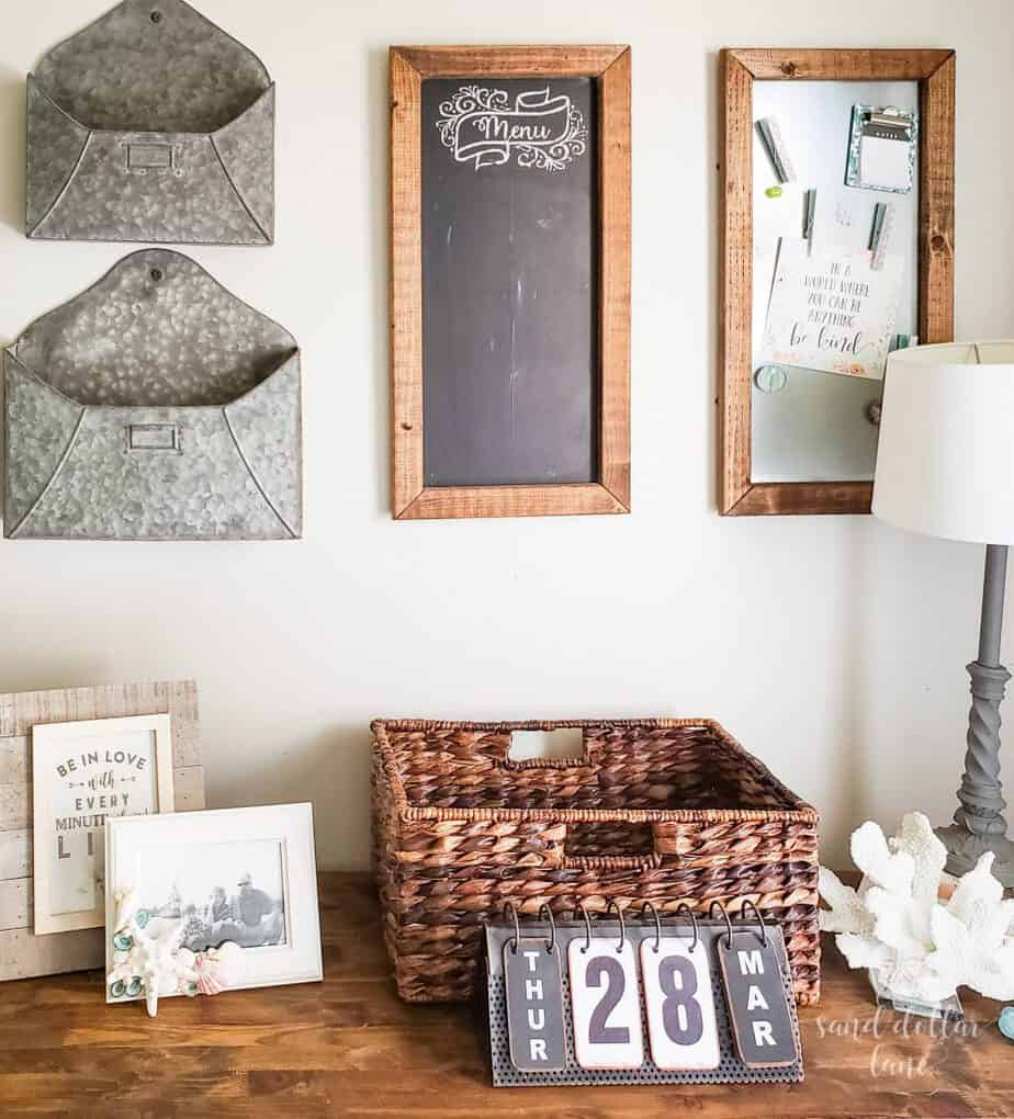 mudroom command center #mudroom #coastalfarmhouse #coastalhome #coastalstyle #farmhousestyle #mudroomorganization